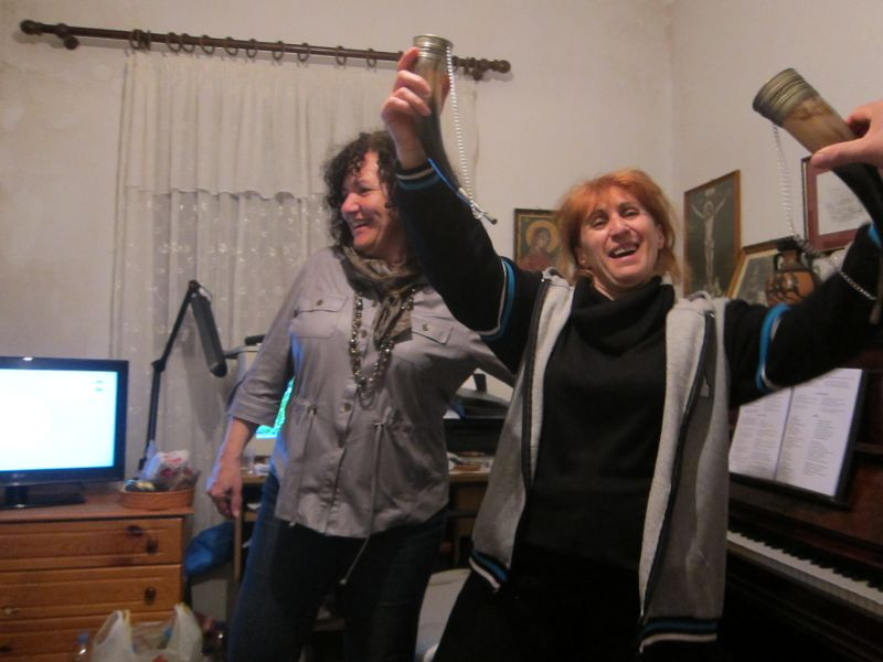 A night of celebration and song at the home of Andreas and Nelly