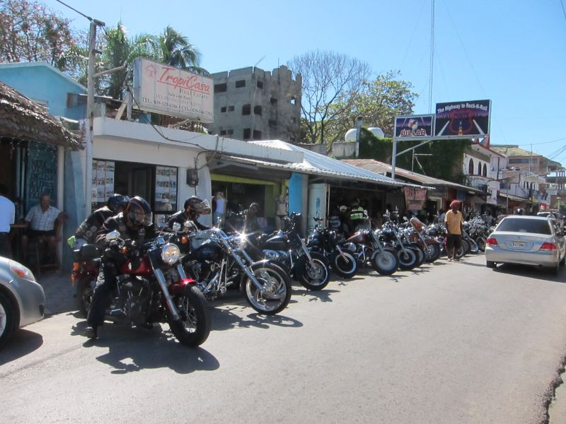 Lots of motor cycles in the Dominican