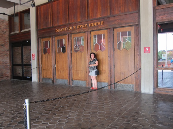 M at Grand Ole Opry doors